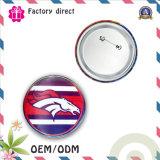 錫材料から成っている卸し売り錫のバッジはさまざまなカラーかロゴ使用できる、低いMOQである