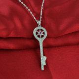 良質925の純銀製のキーの吊り下げ式のジルコンのネックレス