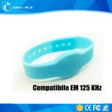 RFID互換性のあるEm 125kHzチップシリコーンのリスト・ストラップ