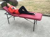 Tabella di massaggio del ferro, base di massaggio e strati tradizionali con lo schienale
