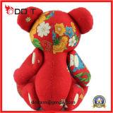 Angefüllter Spielzeug-Bären-roter Blumen-chinesischer Klassiker-Tuch-Spielzeug-Bär