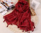 Les châles de polyester de coton raffinent la longue écharpe de gland de couleur pour la vente en gros