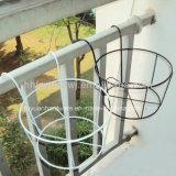 粉は鋼鉄円形の植木鉢の立場に塗った