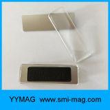Commerce de gros badge personnalisé cache en plastique Nom d'un insigne avec l'aimant
