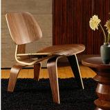 イラクは曲げられた木製の高さのフィートの子犬だった椅子のDcwの椅子のエームズのレストランが食べる机および椅子(M-X3232)を