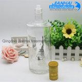 Bottiglia di vino di vetro bianca di colore libero