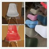 현대 식사 의자 EMS 작풍 옆 의자 17.8 인치 시트 고도 건장한 나무다리