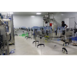 Bouteille d'eau minérale en plastique faisant la machine avec l'élément de soufflement
