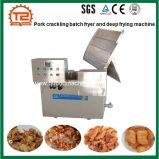 Lot de viande de porc grésillement friteuse et la friture Machine