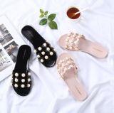 Les dames façonnent les santals antidérapage Plat-Gîtés de chaussures de plage de perle