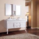 Lavabo grande del doble de la talla sobre el suelo de cerámica contrario del lavabo - cabina reflejada vanidad montada del cuarto de baño