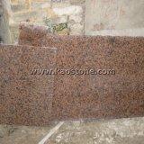 壁または床タイルのための自然な磨かれたバルモラルの赤い花こう岩