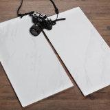 300X600mm glasierten japanische Porzellan-Marmor-Fliese mit weißen Adern