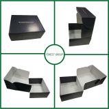 Напечатано гофрированный картон белого цвета внутри коробки из гофрированного картона
