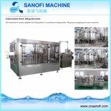 Machine d'embouteillage remplissante de gaz de boisson carbonatée de l'eau d'usine de la Chine
