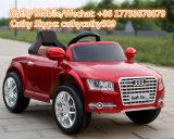 La plastica di Audi A8l scherza l'automobile elettrica del giocattolo di RC