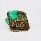 工場価格の締縄が付いているカスタム連続した金属メダル