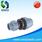 Buen precio PN16 PP PE Adaptador de compresión igual Tee Tee hidráulicos, conexiones, de montaje del tubo en T