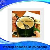 ヨーロッパのコーヒーまたはスープまたはアイスクリームのための旧式な金属のスプーン