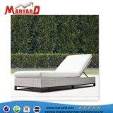 Design agréable salon en rotin synthétique de plein air et de rotin Transat lit pour piscine