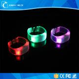 Nouvelle arrivée conduit Bracelet Bracelet en PVC Bracelet LED contrôlé à distance