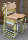 Restaurant Café classique Loisirs métal empilables latéraux en bois chaise de salle à manger