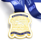 Médaille en alliage de zinc faite sur commande de médaillon de récompense de sport de carnaval de placage à l'or de vente chaude avec la bande