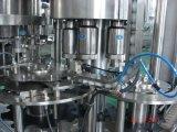 Chispas de la máquina embotelladora de Coca-Cola de la máquina de llenado de agua