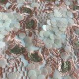 スパンコールおよび石が付いている花の刺繍デザインおよびカラー