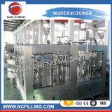 El agua de soda y bebidas carbonatadas Máquina de Llenado