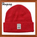 Цельновывязанное изделие с Red Hat Beanie красного цвета с исправлением трикотажные головные уборы