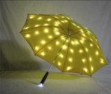 Lados dobro que dobram o guarda-chuva relativo à promoção do diodo emissor de luz do guarda-chuva do guarda-chuva