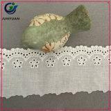 Commercio all'ingrosso fuori dal merletto decorativo di cucito bianco del merletto del testo fisso del collo