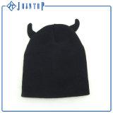 Cappello del Beanie utilizzato abitudine divertente del bambino con una sfera