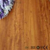 L'enduit UV a gravé le plancher extérieur de planche de vinyle de blocage de cliquetis