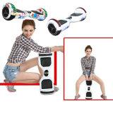 Fliegender zwei Rad-Selbst, der elektrischen Mobilitäts-Roller für Kinder balanciert