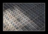 325/30/100 حاجز مشبّك أسود [11م]