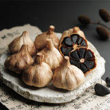 Вызревание и чеснок здоровой еды черный с 18 аминокислота