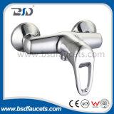 Único Faucet cromado da bacia do banheiro do revestimento da bacia do punho misturador de bronze