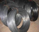 黒い鉄ワイヤーか黒いアニールされたワイヤーまたは構築の鉄棒