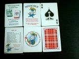 Pinochle con las tarjetas que juegan de papel profesionales del penacho