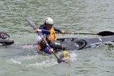 Kayak en plastique simple avec pédales réglables