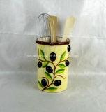 Supporto di ceramica dipinto a mano dell'utensile con il disegno verde oliva