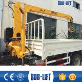 Grue montée par camion télescopique hydraulique Sq2SA2 de boum de 2 tonnes