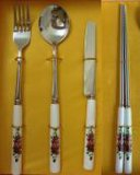 Palillos de acero inoxidable con mango de porcelana y diseño elegante