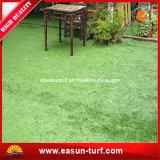 Het oude Kunstmatige Valse Gras van de Tuin Warrantly