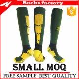 Kundenspezifische Fußball-Socken mit Qualitäts-Großverkauf