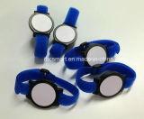 水泳スマートなIDのカードメーカーのための13.56MHz RFID/NFCのリスト・ストラップの札