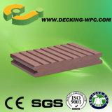 Decking impermeável da cavidade WPC do preço de grosso para ao ar livre