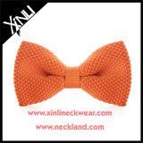 Color sólido hombres Moda 100% seda Knit pajarita